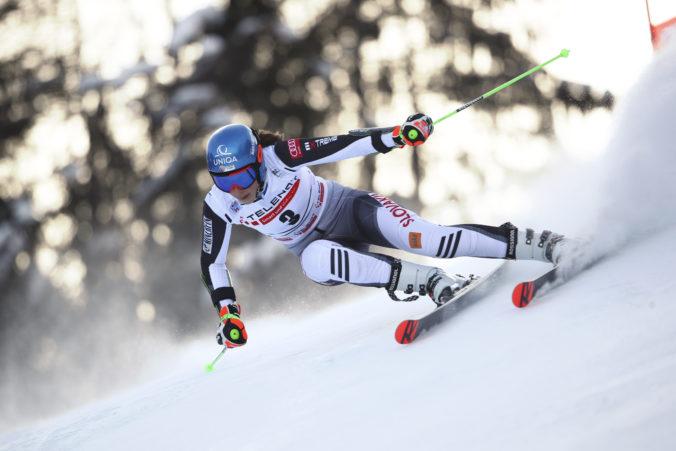 Petre Vlhovej prvé kolo obrovského slalomu nevyšlo, vedie Shiffrinová