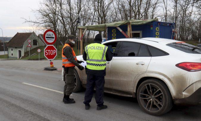 Rakúsko predlžuje pre obavy z mutácie koronavírusu lockdown, pravidlá sa ešte sprísnia