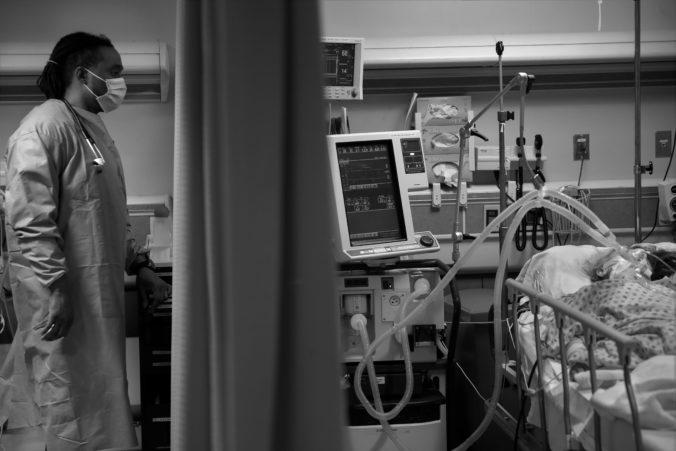 Svet dosiahol veľmi smutný míľnik, na koronavírus zomrelo už viac ako 2 milióny ľudí