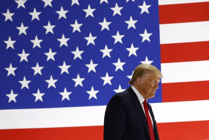 Trump podnikol posledný úder voči Číne a na ďalších deväť firiem uvalil sankcie