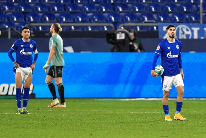 Schalke 04 sa potápa, v poslednom tíme Bundesligy pristúpili k personálnym zmenám