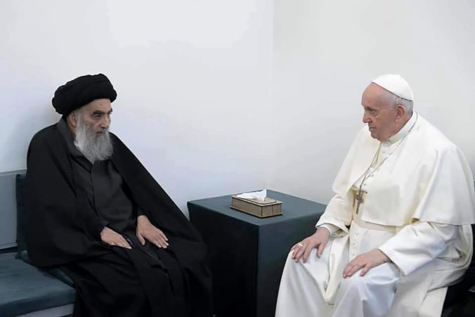 Návšteva pápeža Františka v Iraku pokračuje, stretol sa s ajatolláhom Alím Sístáním (video)