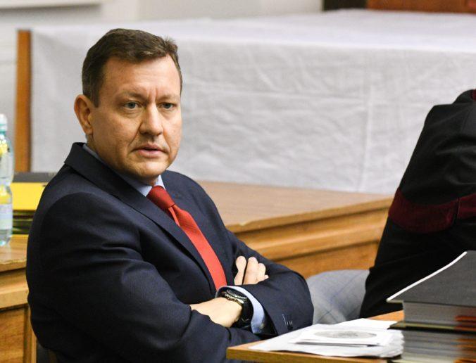 Lipšic mal pohovor s dozorovým prokurátorom pre prepustenie obvineného exfunkcionára polície