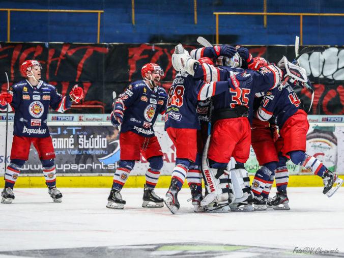 Zvolen zdolal Slovan a po ôsmich rokoch je vo finále Tipos Extraligy, v predĺžení rozhodol útočník Nuutinen (video)