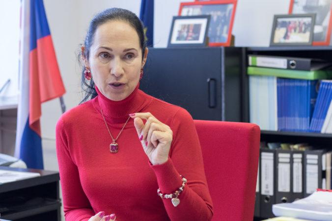 NAKA vypočúva rektorku Akadémie Policajného zboru Kurilovskú, výsluch má súvisieť s obvinením voči Kičurovi