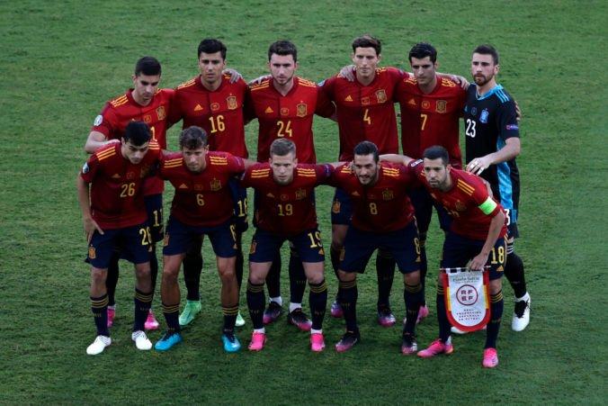 Španieli nasadia proti Slovákom svojho najskúsenejšieho hráča, Busquets im má pomôcť dostať sa do osemfinále