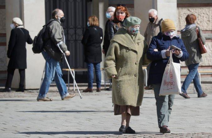 Poľsko zavádza povinnú sedemdňovú karanténu pre cestujúcich z Británie, nebude sa týkať zaočkovaných