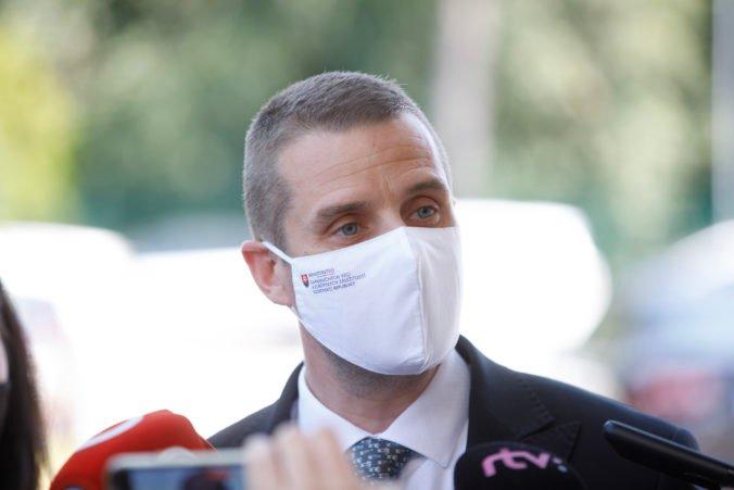 Zachovanie otvorených hraníc je pre Slovensko v rámci boja proti pandémii prioritou, tvrdí Klus