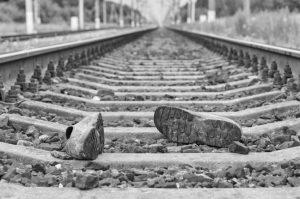 Mladú ženu z Hranovnice zrazil v Poprade vlak, utrpela zranenia nezlučiteľné so životom