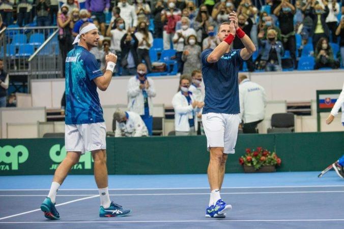 Slovenskí tenisti triumfovali v Davis Cupe nad Čiľanmi, Gombos vybojoval rozhodujúci bod