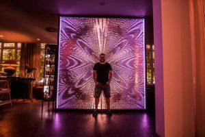 Výstava Resonance of light spája výtvarné umenie s vedou a technológiou