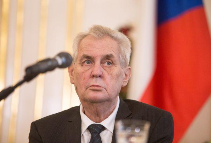 Česká polícia preveruje okolie prezidenta Zemana, prešetrujú aj možné neposkytnutie pomoci